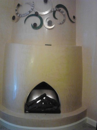 Meson de Mesilla: Fireplace in Jacuzzi Suite only