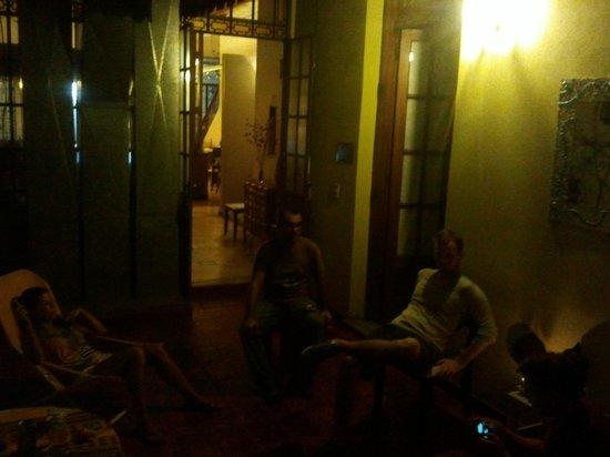 Chez Seb Buenos Aires: Gemütliche Abendstunden im Atrium