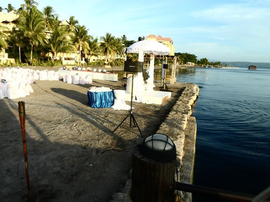 Club Balai Isabel: View of the Wedding Ceremony from the edge of the Beach