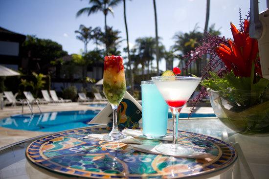Drinks na piscina - Hotel Recanto das Toninhas