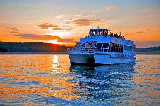 Cronulla & National Park Ferry Cruises: Sunset Dinner Cruise aboard the TSMV Gunnamatta