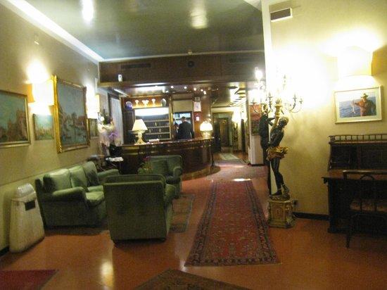 Le Boulevard Hotel: lobby