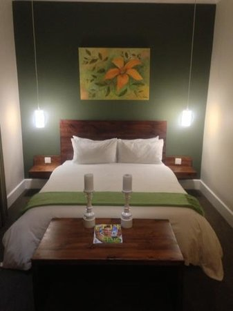 MyPond Hotel: suit bed