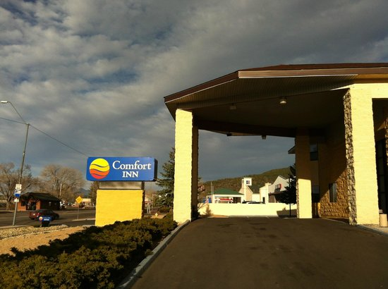 Comfort Inn Near Grand Canyon: Main Entrance