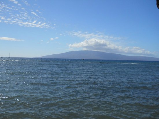 The Westin Maui Resort & Spa: View of the Ocean from Front St