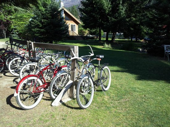"Silver Bay Inn & Resort: bikes are avaialble for free for the 10-minute ride to ""downtown"" Stehekin"