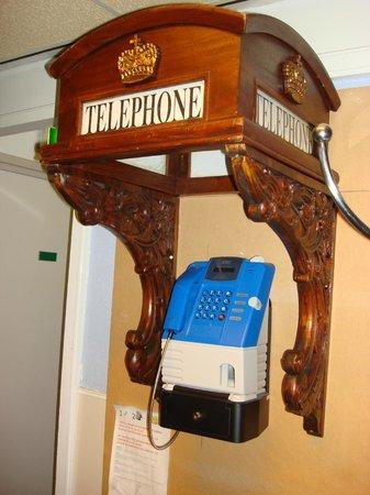 Hotel Amadeus: pay phone