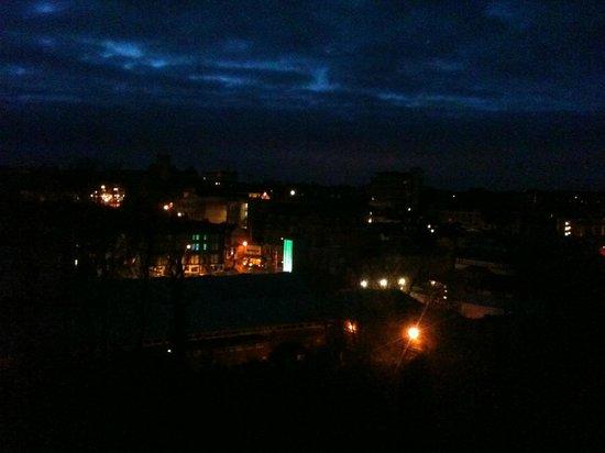The Majestic Hotel: Harrogate at night