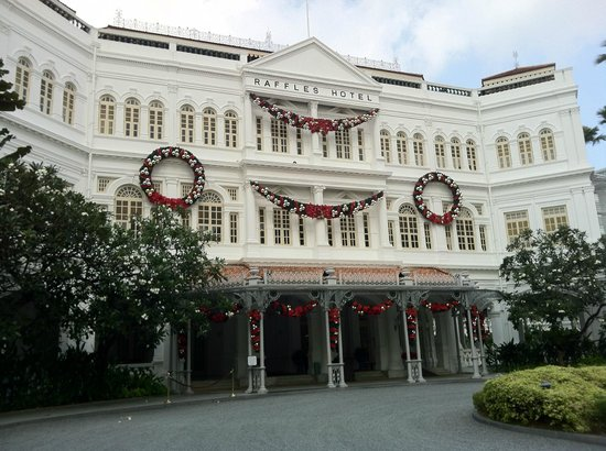 Raffles Hotel Singapore: Ready for Christmas!