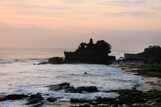 Pan Pacific Nirwana Bali Resort: vista del tempio Tanah Lot al tramonto