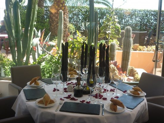 Le petit prince menton restaurant reviews photos - Hotels in menton with swimming pool ...