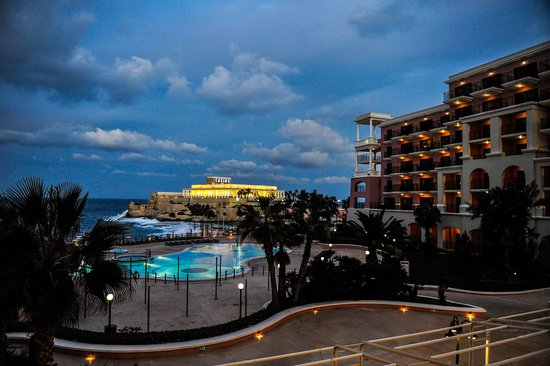 The Westin Dragonara Resort, Malta: The Hotel and The Casino