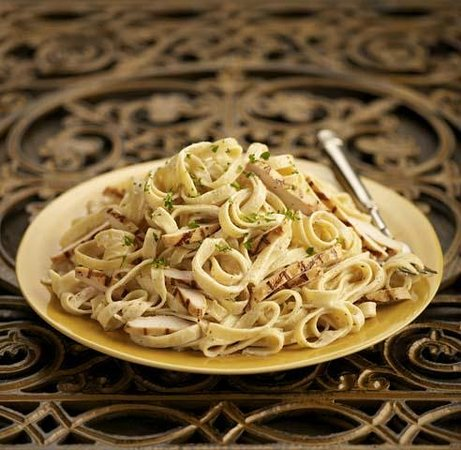 Johnny Carino's: Chicken Fettucini Alfredo