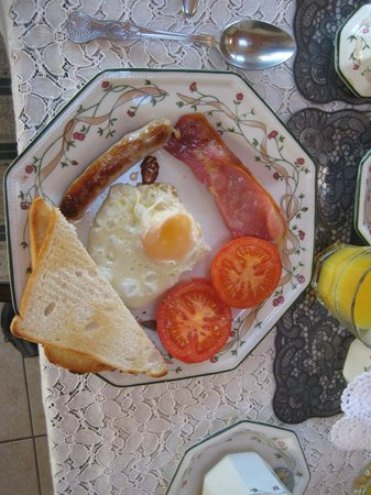 Cahergal Farmhouse: Noreen's Delicious Irish Breakfast