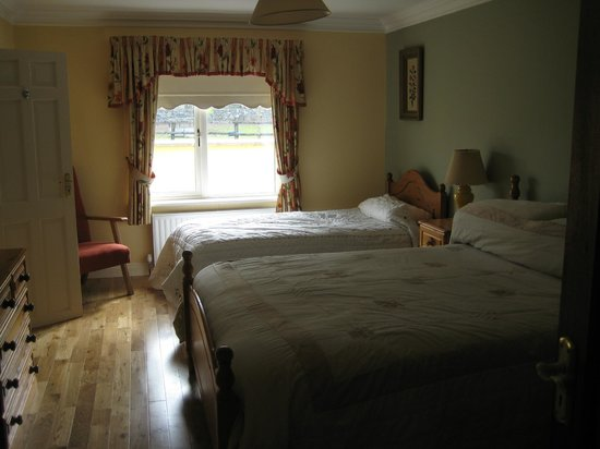 Cahergal Farmhouse: One of the Self-Catering Holiday House Bedrooms