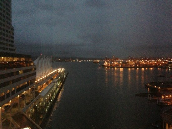Fairmont Waterfront: View of harbor at night