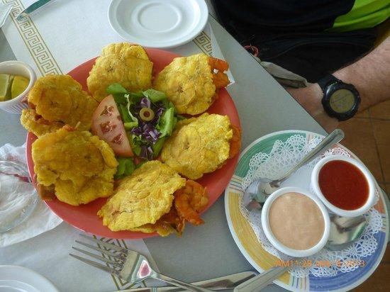 El balcón de Capitán : shrimp stuffed mofongo