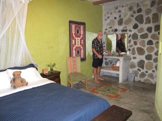 Casa Cangrejal B&B Hotel: Our spacious room