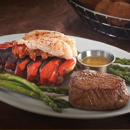 Stoney River Steakhouse and Grill: Surf and Turf
