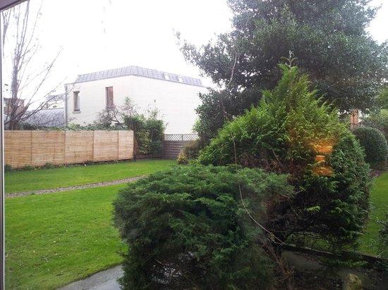 Ariel House: garden
