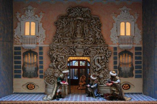 Palacio del Marques de Dos Aguas, dolls house with facade