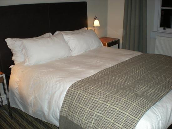 The Blue Boar Hotel: comfy bed