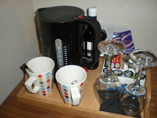 The Blue Boar Hotel: tea making