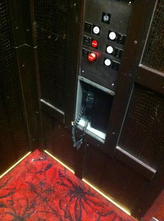 Claremont Hotel Las Vegas: elevator