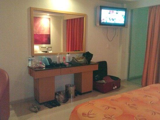 Hotel Orense Express: El tocador