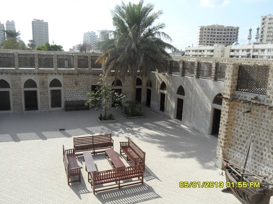 Bait-al-Naboodah Museum: cortile interno