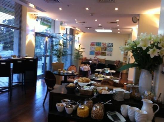 Melody Hotel   Tel Aviv - an Atlas Boutique Hotel: lobby e area colazione