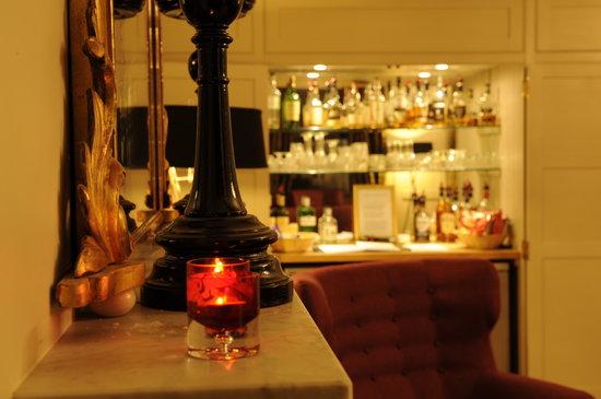 Brooks Hotel Edinburgh: Honesty Bar