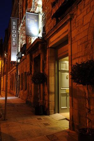 Brooks Hotel Edinburgh: Exterior