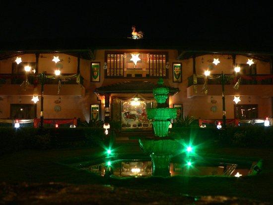 Casa Severina : Hotel at Night