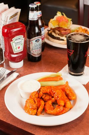 Dockside Restaurant: Boneless Buffalo Wings