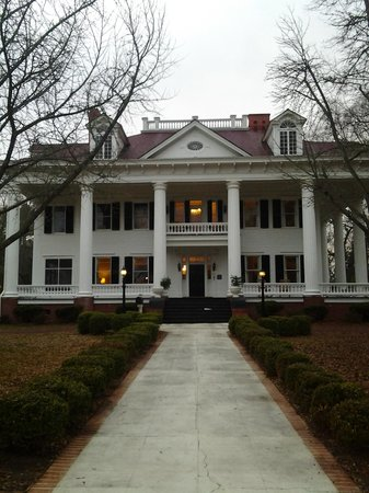 The Twelve Oaks Bed & Breakfast: The Twelve Oaks