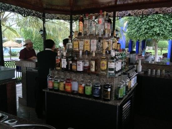 ClubHotel RIU Jalisco: bars everywhere