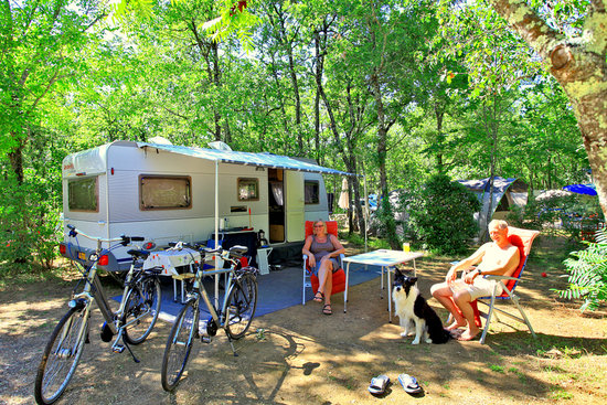Lou Castel : Emplacement camping