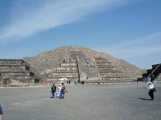 Journeys Beyond the Surface Popular Culture Tours: Templo de la Luna