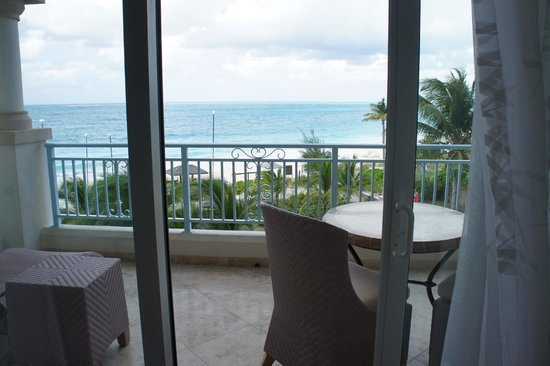 Seven Stars Resort & Spa : Junior Suite Ocean Front - loved watching the sunsets here