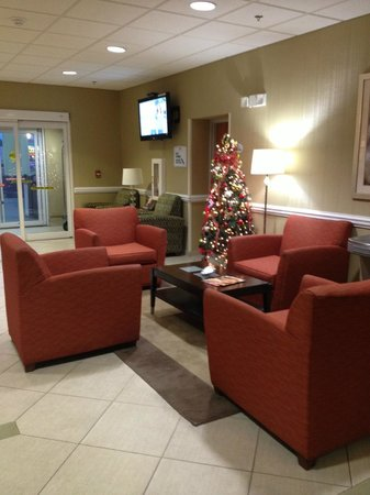 Best Western Plus Brunswick Inn & Suites: Lobby