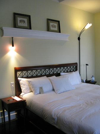 Le Place d'Armes Hotel & Suites: Corner King Room