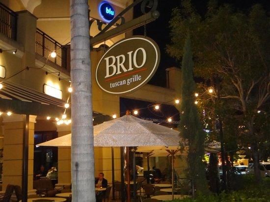 BRIO Tuscan Grille: Ambientes agradáveis!