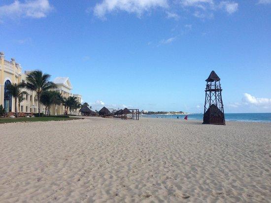 Iberostar Grand Paraiso Beach Left