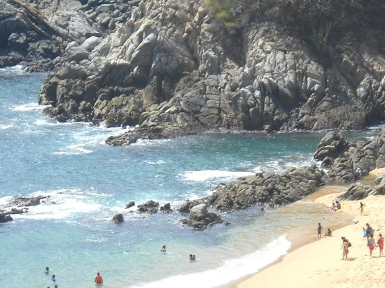 Secrets Huatulco Resort & Spa: rugged beauty