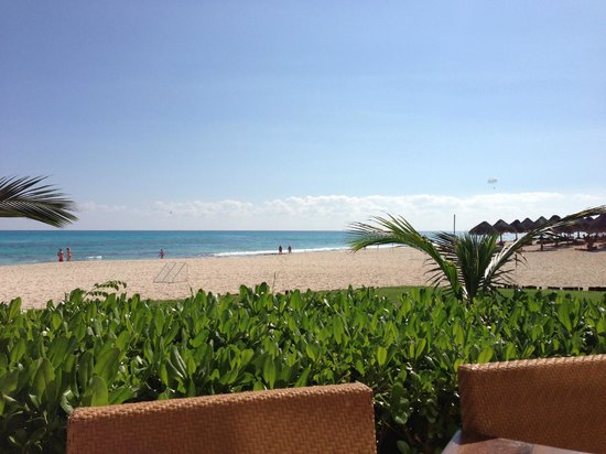 Iberostar Grand Hotel Paraiso: View from lunch buffet area