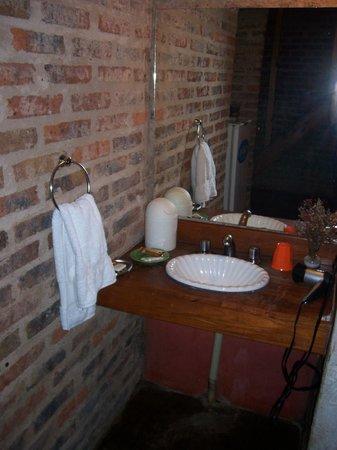 Jasy Hotel: Baño