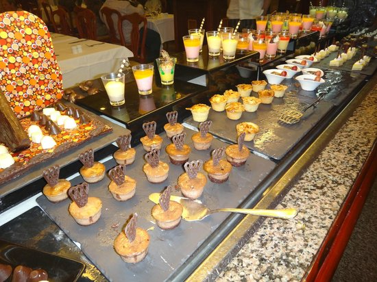Hotel Riu Palace Tropical Bay: Dessert options at buffet
