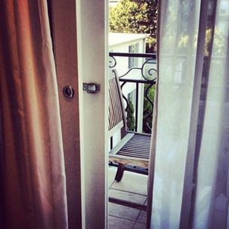 Lyall Hotel and Spa: Our balconette.