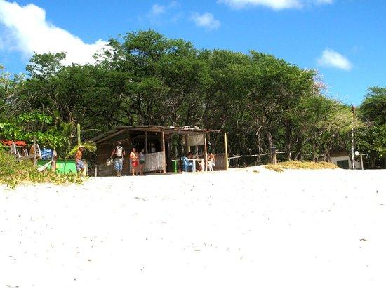 Empalme a Las Playas: hut to get a beer on Madaras beach!